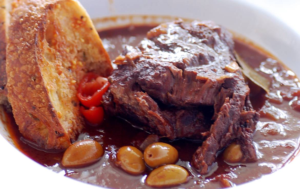 Order beef cheeks online in Ontario Canada.  Naturally raised with no antibiotics or synthetic hormones.  Free range and naturally pasture raised, grassfed or grain finished.