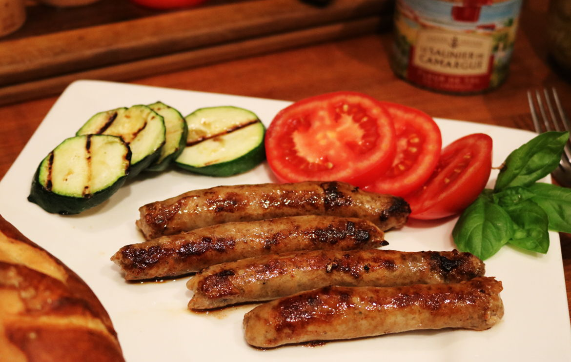 All-natural and organic maple breakfast sausages, locally made from our farm in Ontario Canada, from naturally pasture-raised pork.